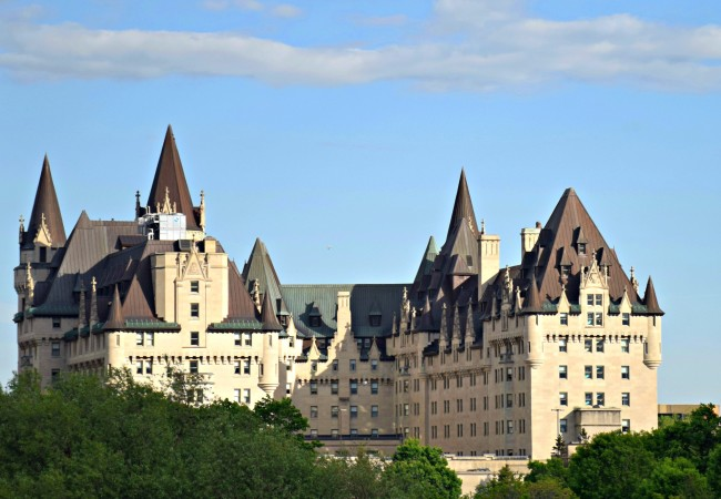 10 FAIRY TALE CASTLES IN CANADA YOU CAN VISIT