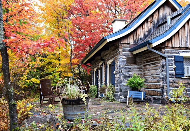 VIDEO:  A FAIRY TALE FALL GETAWAY IN QUEBEC, CANADA