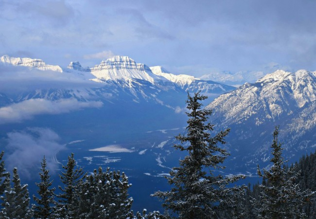 10 WINTER ADVENTURES IN THE ROCKIES FOR NON-SKIERS