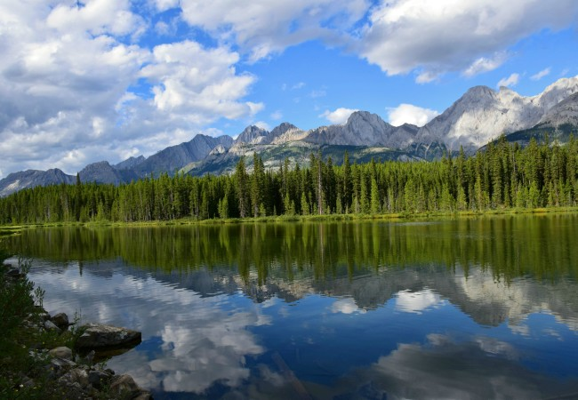 WHY YOU SHOULD SEE THE SPRAY LAKES IN CANADA THIS SUMMER