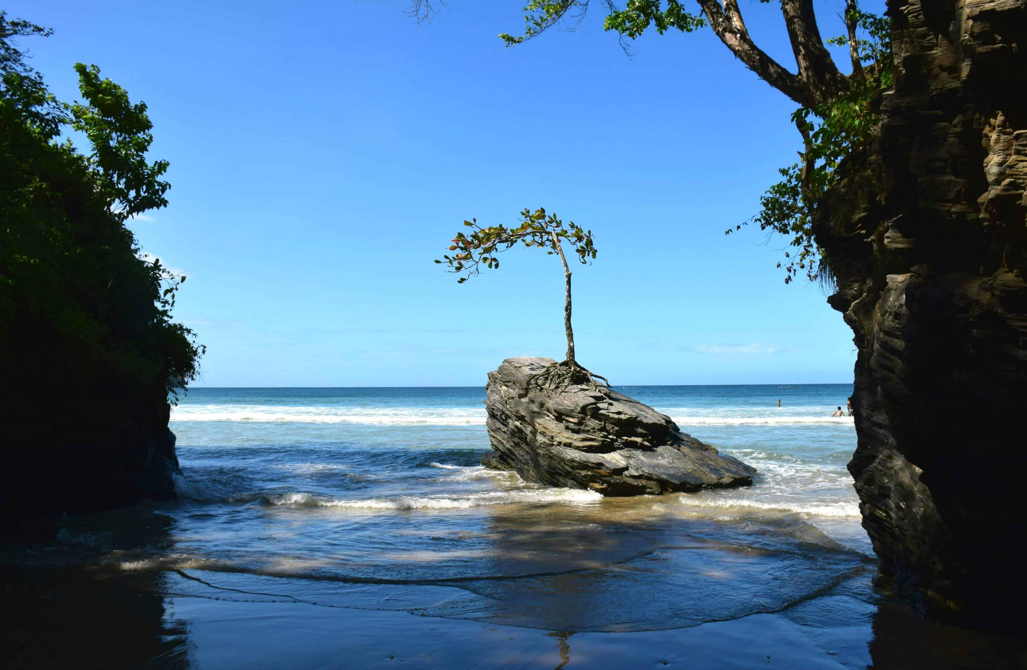 Las Cuevas Beach, Trinidad