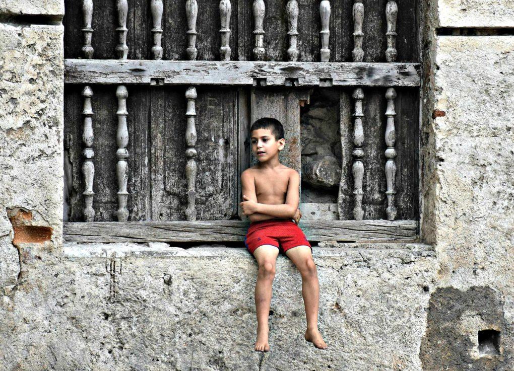 PHOTOS OF THE WEEK: PEOPLE WATCHING IN CUBA