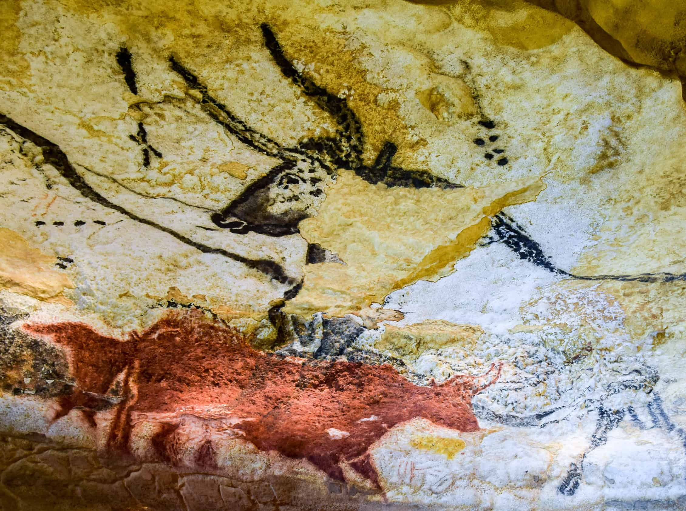 dating lascaux cave paintings Dating chronological questions about the age of lascaux's cave paintings, over what period they were created, and the identity of the.